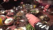 贵州松桃农村一家办喜酒,全是本地菜,味道杠杠的,谁是大厨