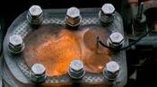 发动机是怎么燃烧运动的? 慢放视频+透明外壳, 让你看个明白