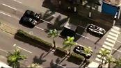 布莱恩·奥康纳和多米尼克·托莱多配合完美躲开警车,带着保险柜飙车