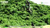 绿怪物Kawasaki KX 250F场地飞驰!