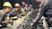 我想知道他们都在挑什么,那不都是煤吗,难道煤块还有美与丑之分吗?