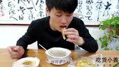 山东特色早点鳝鱼辣汤,喝的津津有味,配上锅贴堪称完美!