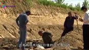 """江西省一古墓中,发现一条""""龙"""",专家发现后立即申请武警保护"""
