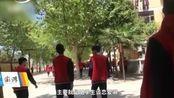 河南驻马店高中在饭堂设立男女生分区,学校老师称:此举动为了防止学生早恋