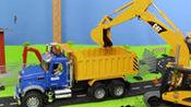 仿真农场庄园工程车运输货物,挖掘机翻斗车挖沙运土装饰房屋玩具