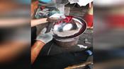 章丘铁锅,只是一口三万多锤锻打,无涂层不粘锅而已