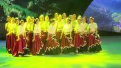 四川省群众广场舞集中展演节目,《达娃梅朵》成都市花儿舞蹈队