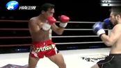中国小将李乾坤连续重拳多次暴击美国对手,TKO对手获胜!