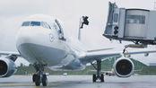 当你在办理登机牌的时,被告知飞机还有15分钟起飞你会怎么办?