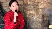 农村媳妇走心演唱《别知己》,嗓音独特,唱出伤感的离别滋味