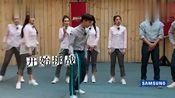 justin丁泽仁挑战程潇,表演奇葩杂技,众人全是尴尬脸!