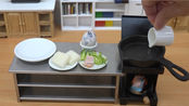 迷你厨房-猫宁 来一份培根煎蛋美式早餐拼盘