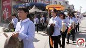 福建漳州农村出殡民俗,两三百人敲锣打鼓为老人送行,真壮观