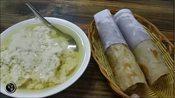 河北衡水特色早点,用半米宽的大饼卷熏肉,配老豆腐吃着真过瘾