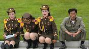 八个国家大阅兵,当看到朝鲜女兵出场时,网友:这也能叫军人?