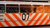 年轻时候的基努里维斯,从大巴车上救下桑德拉布洛克,不容易啊!