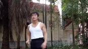 这可是李小龙的腿法?功夫强人原地跳踢2.5米树枝!