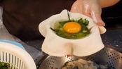 酒店大厨辞职卖特色小吃,手速超快1个小时能做100个,日收入5000