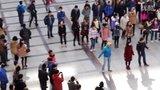 视频: 无意拍到[青岛工学院]青院之声宣传快闪活动