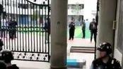 警方通报南江学校保安被刺身亡:与嫌疑人存在私人纠纷 已被刑拘