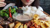 【ann-a//r】越南小吃炸豆腐、米粉拼盘