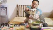 想吃火锅想到睡不着,有多少朋友是一样?麻麻辣辣的排骨火锅吃起