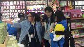 """【江西】上饶""""两元超市""""上线 学生老人们疯狂抢购"""