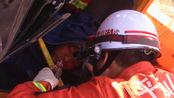 河南平顶山:消防战士历时半小时,终于救出被困汽车内人员!
